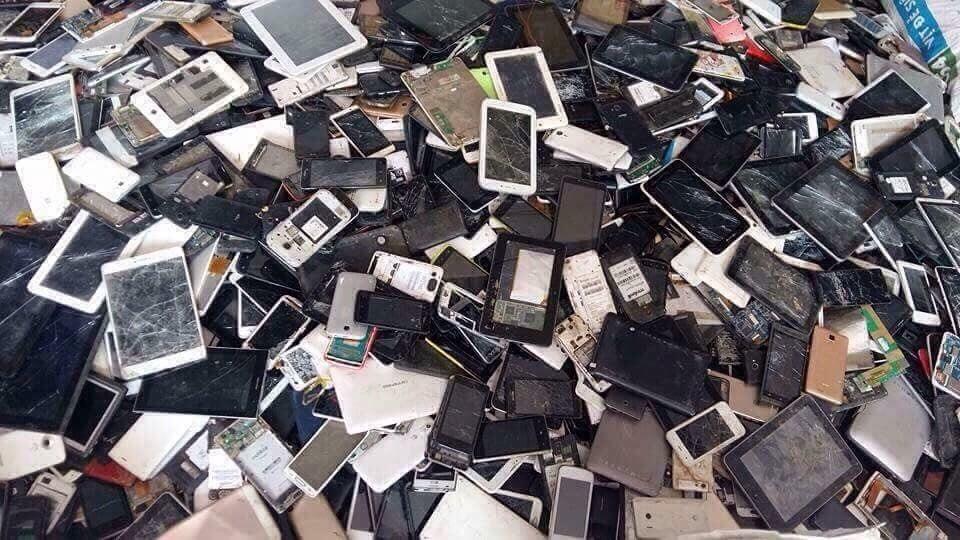 Chuyên thu mua phế liệu điện thoại cũ giá cao