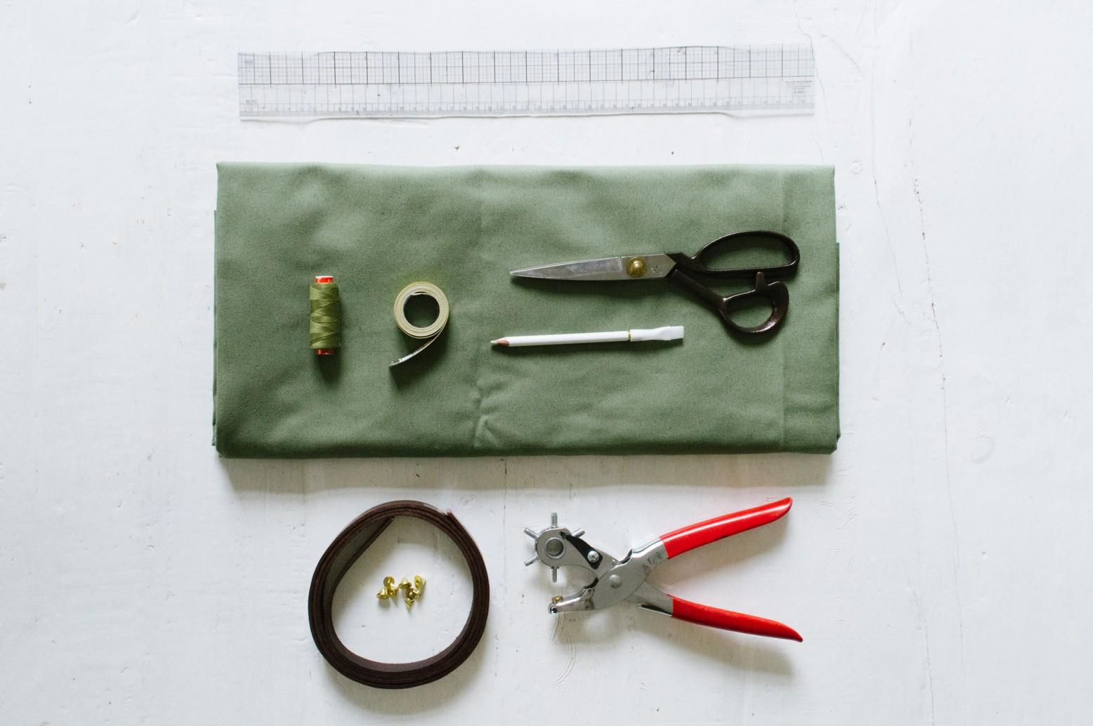 Chuẩn bị dụng cụ làm giỏ vải