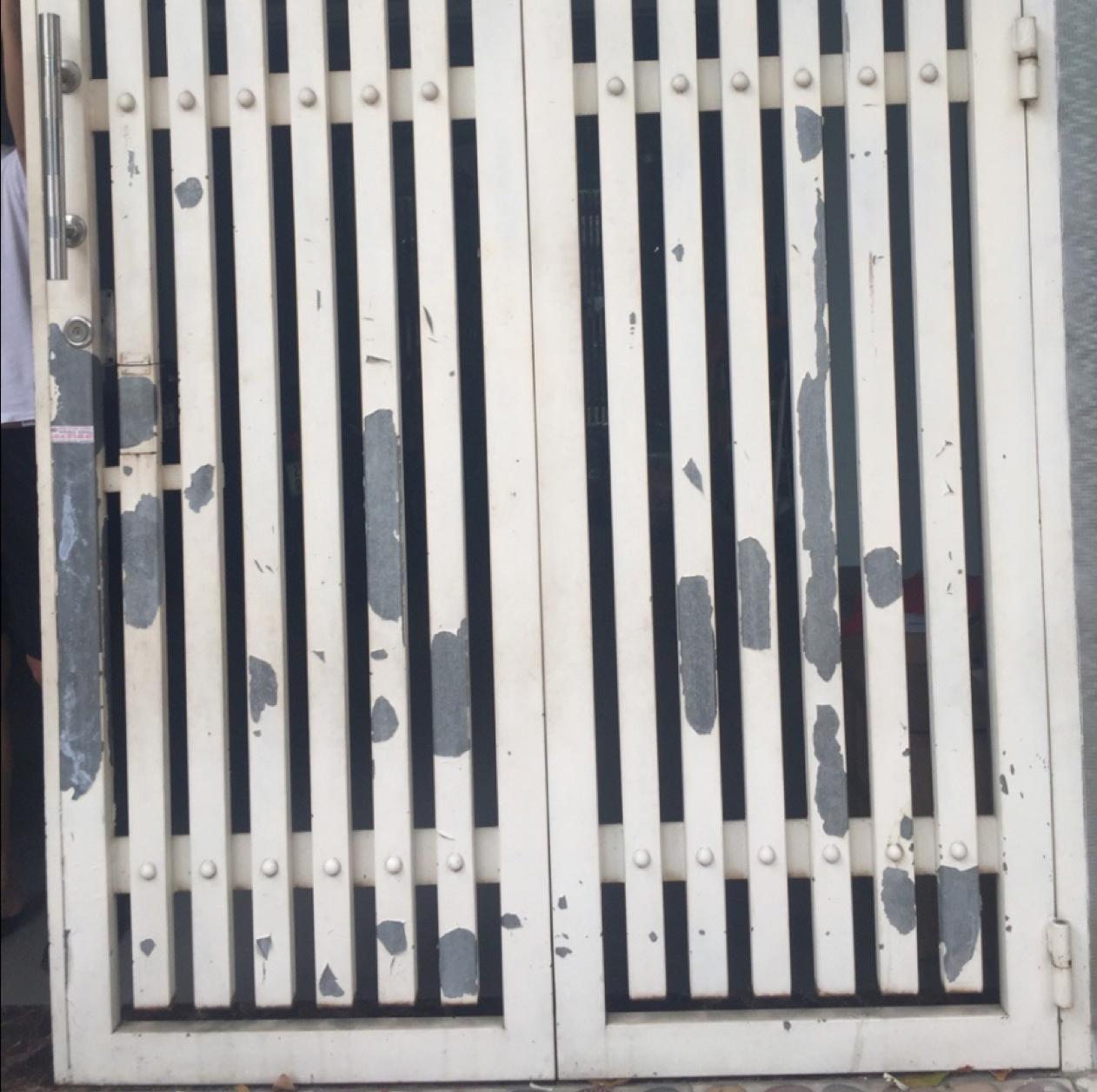 Hưng Thịnh chuyên thu mua cửa sắt cũ giá cao