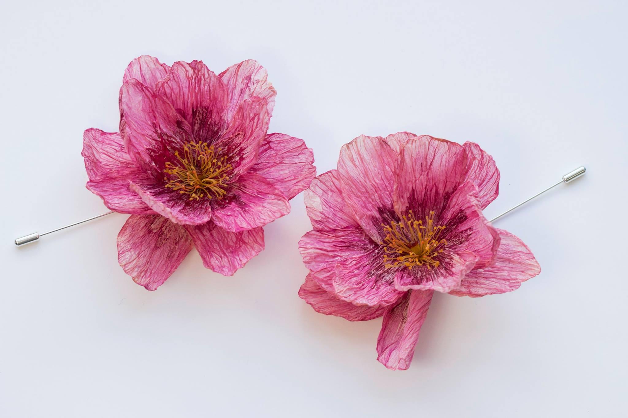 Các cách làm hoa bằng phế liệu cho bạn tham khảo: