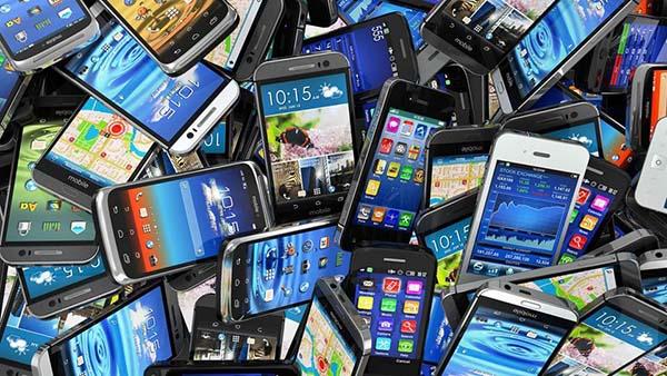 Phế liệu điện thoại