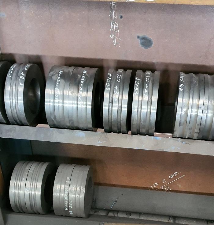 Quy trình thu mua phế liệu hợp kim trục cán thép nứt bể giá cao