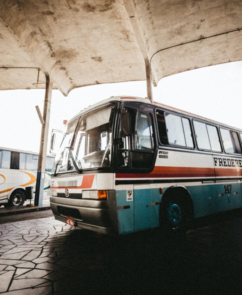 Thu mua xe bus phế liệu với giá cao – Mua tận bãi