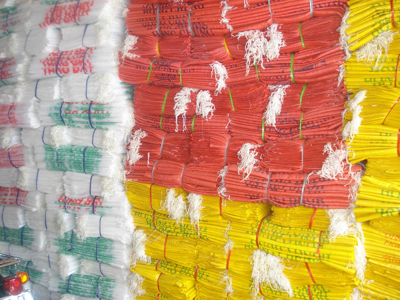 Các loại bao bì phế liệu được thu mua trên thì trường