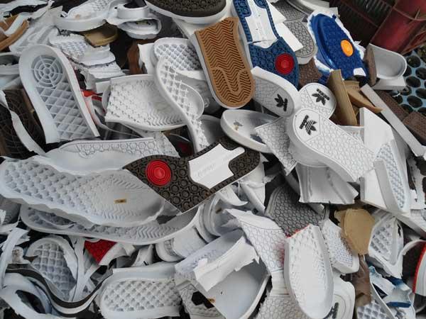 Thu mua phế liệu giày da