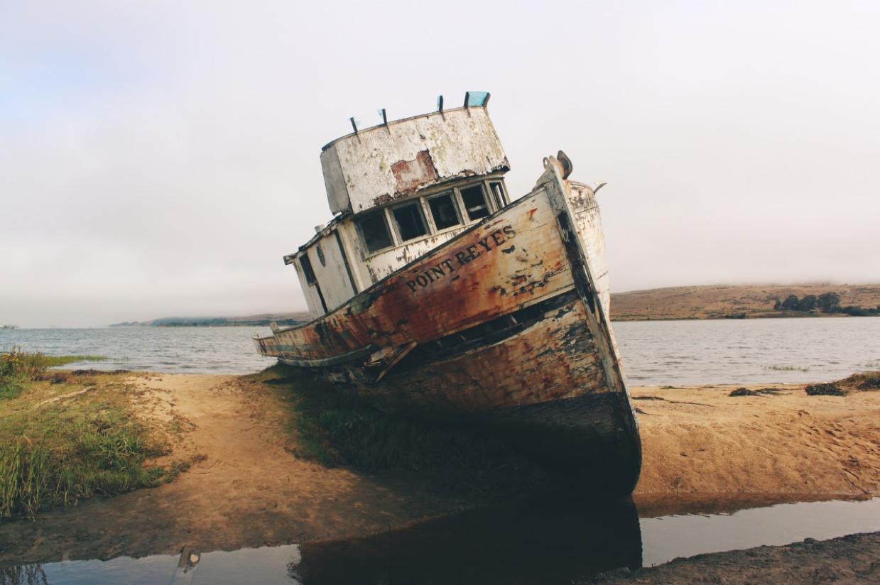 Mua bán tàu biển cũ, thuyền biển, mỏ neo với giá cao